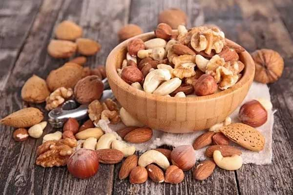 Nuts best midnight snacks