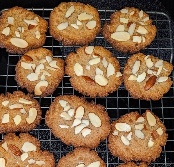 Almond-Cinnamon-Butter-Cookies