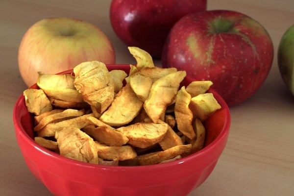 dried-apples-healthy-snacks