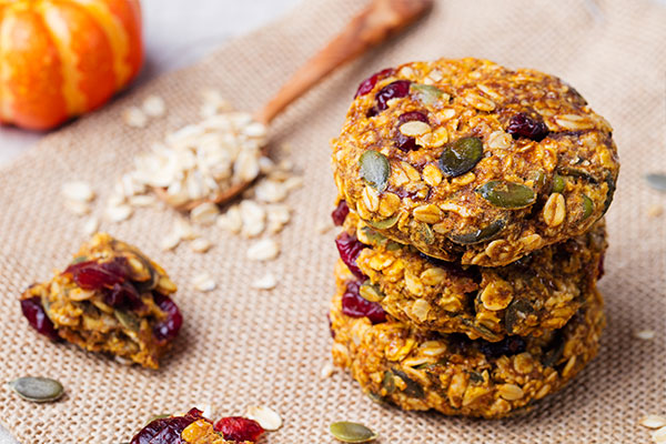 Seed and oat cookies